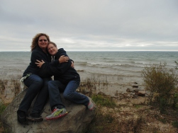 ann-and-beth-on-the-rocks